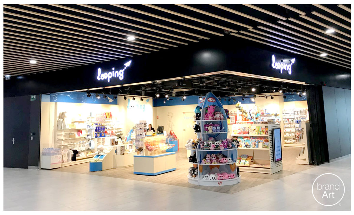 BrandArt toy retail display for merchandising at Looping Boutique in Lyon